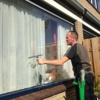 Periodieke glasbewassing en reiniging trappenhuizen door Ploeg Reinigingsdiensten